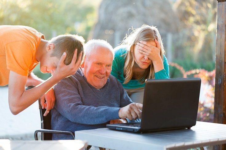 Los abuelos pueden instruir al nieto en temas relacionados con el envejecimiento