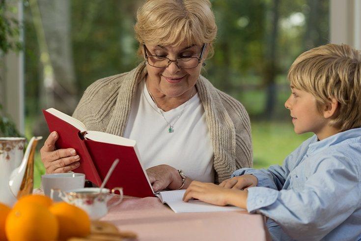 Puede ocurrir que existan ciertos problemas con la abuela de tus hijos, ya sea tu madre o tu suegra
