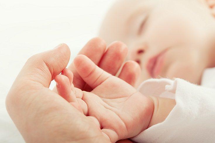 El tacto es sin lugar a dudas el sentido más importante para el bebé