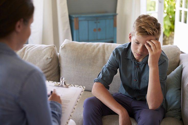 Tu hijo puede tener miedo repentinamente de asistir o participar en la escuela