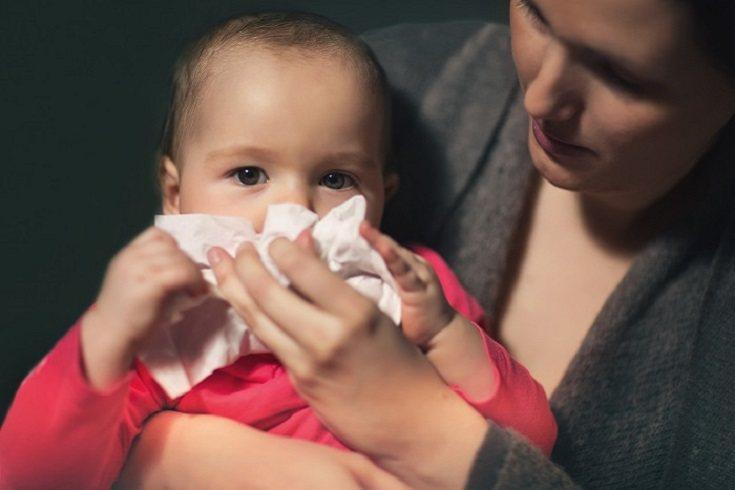 La secreción nasal también puede ser un síntoma de la gripe