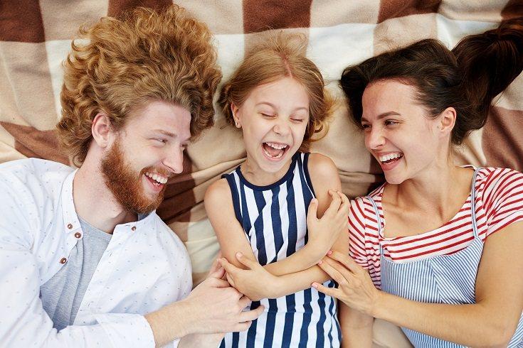 Que tu hijo se ría mucho no significa que esté disfrutando de las cosquillas
