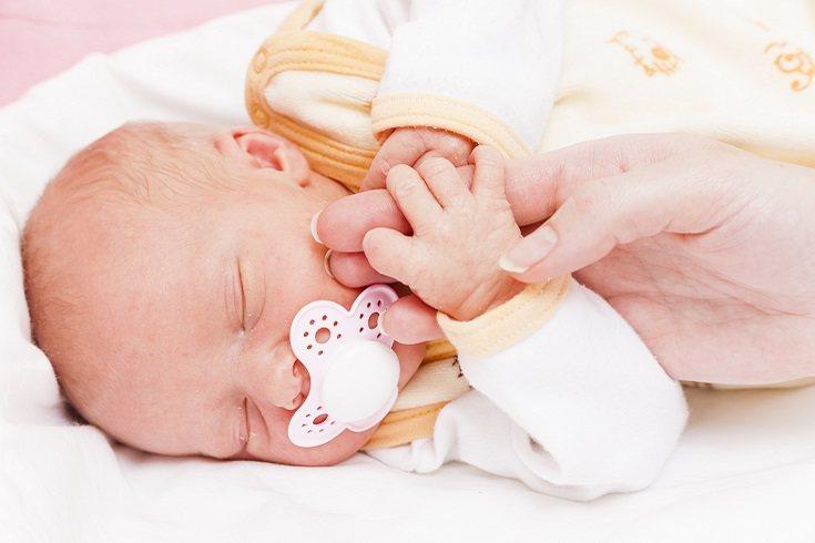 Los bebés lloran sin lágrimas