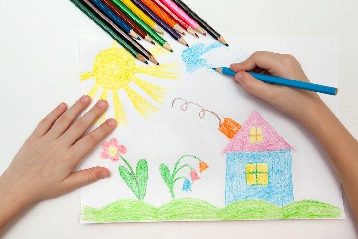 Es raro el niño que no disfruta a la hora de dibujar y colorear