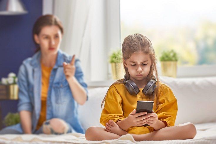 La crianza severa está relacionada con menos logros educativos
