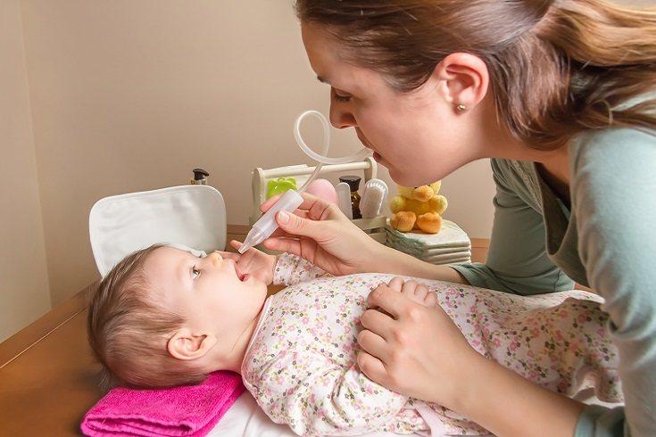 Un bebé que tiene muchos mocos puede reducírsele el apetito