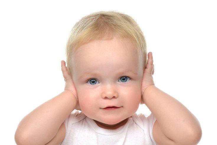 Muchos niños son diagnosticados por primera vez con una discapacidad auditiva en la infancia