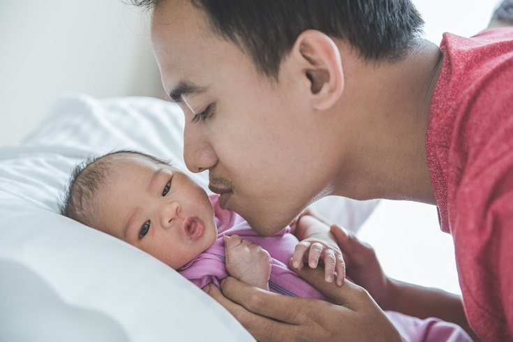 Alivia la fiebre de tu bebé dándole un baño tibio