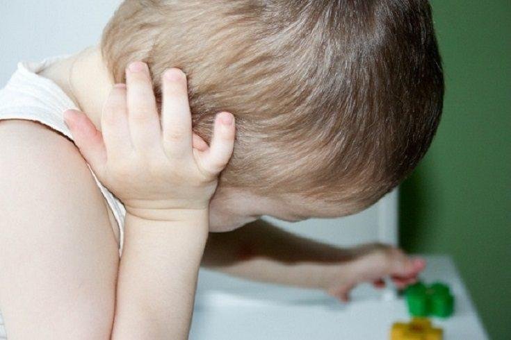 La causa de la mayoría de las infecciones de oído es una infección viral