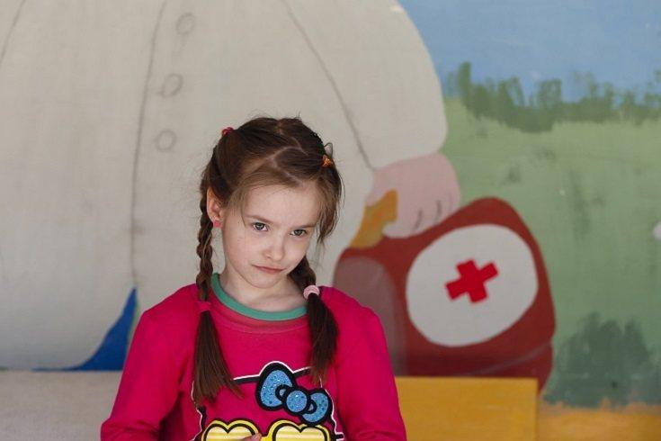 Los niños pueden quejarse de que les duele la barriga o que están cansados