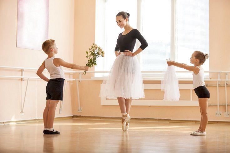 La danza o ballet promueve la fuerza física y la agilidad