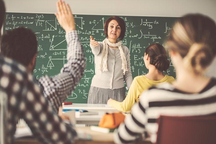 Los maestros son los guías de los niños