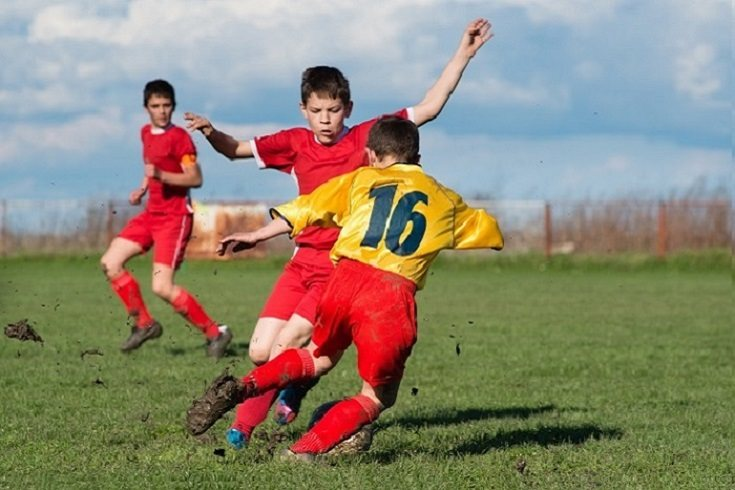 Los padres influyen en sus hijos que practican deportes al motivarlos
