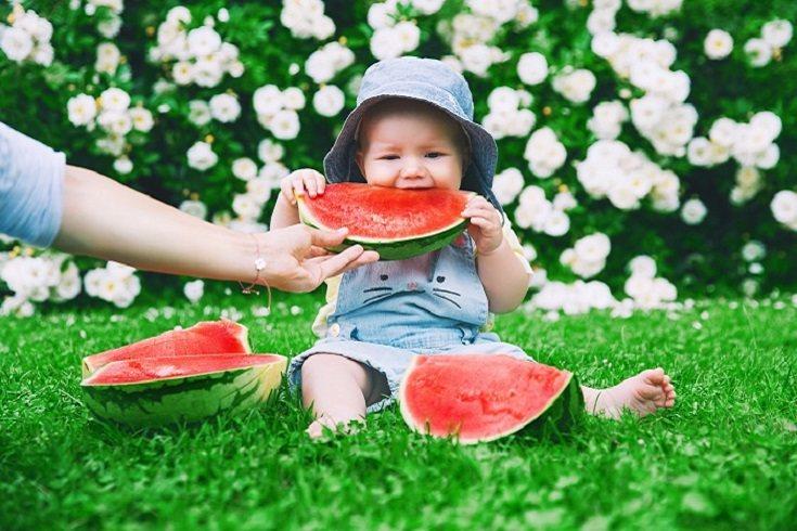 Tu bebé puede estar comiendo alimentos sólidos
