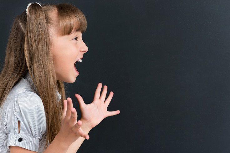 Hay algunos pasos de acción que un padre puede tomar para dejar de gritar