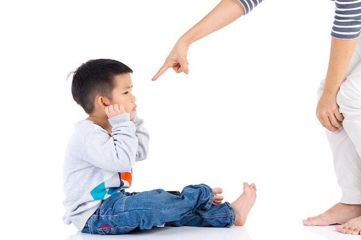 Si el niño ha hecho algo mal, hay que hacérselo saber