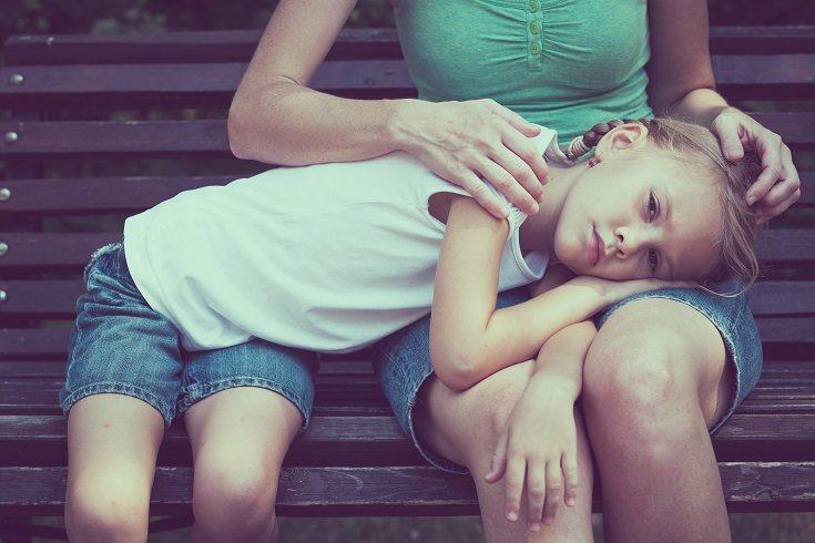 Los padres irresponsables a menudo están emocionalmente desconectados