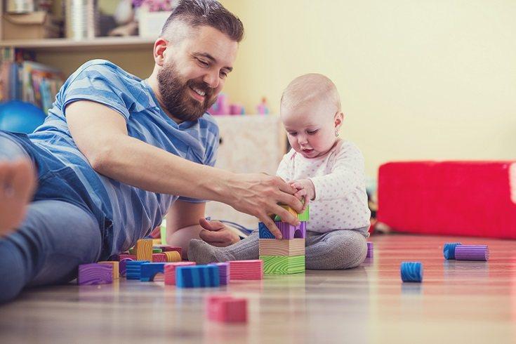 Hay que partir del hecho de que criar y cuidar a un bebé no es algo sencillo y fácil