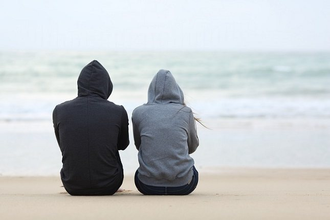 Ayuda a tu hijo adolescente a desconectarse emocionalmente del drama por completo