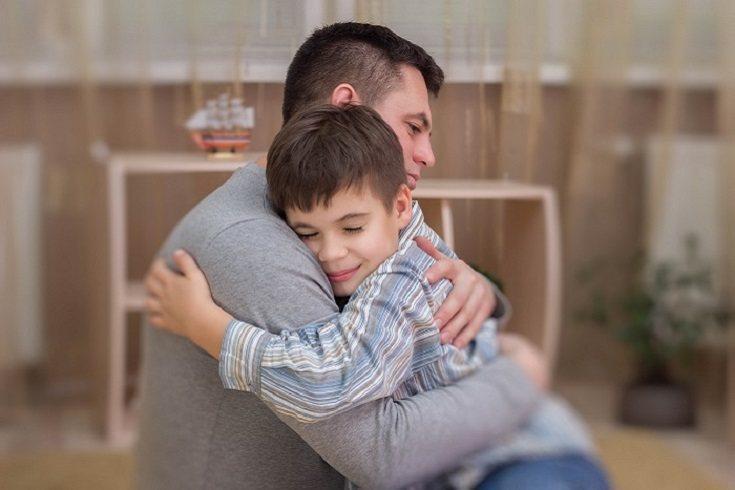 Retener el perdón de tu hijo adolescente puede tener serias repercusiones