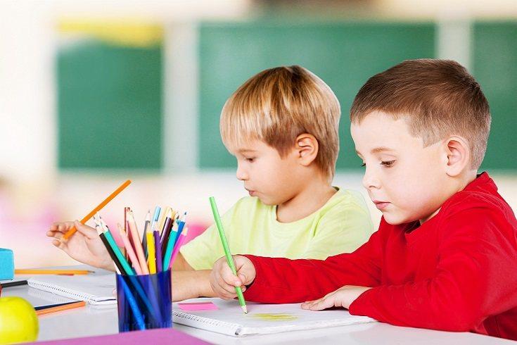 Los niños desde que son pequeños observan todo lo que hacen sus padres para poder imitarlos