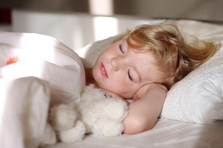 Al llegar a los seis años de edad, va a necesitar dormir menos