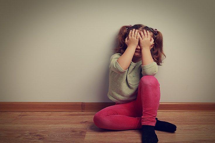 Pegar a un niño aunque solo sea un cachete de vez en cuando tiene consecuencias fatales