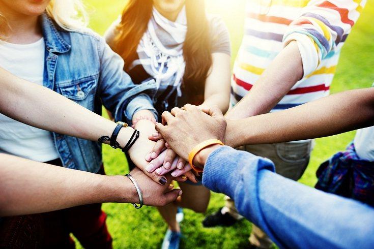 Los adolescentes también deben cuestionar las reglas y comportamientos de sus padres