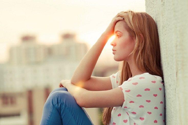 Los padres pueden ayudar a los adolescentes con mal humor extremo