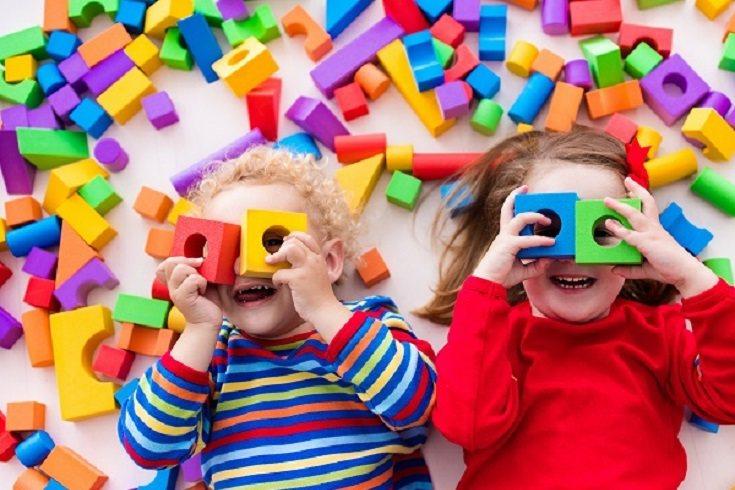 El refuerzo positivo aumenta los comportamientos deseados en los niños