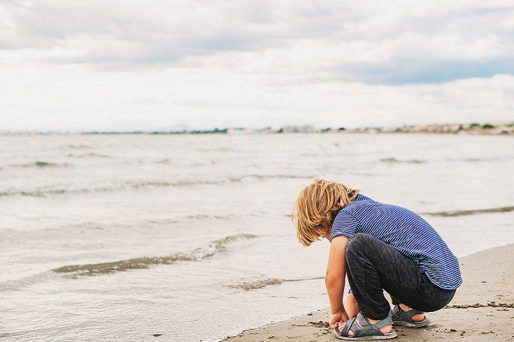 El niño puede crecer hasta la edad adulta luchando contra la depresión
