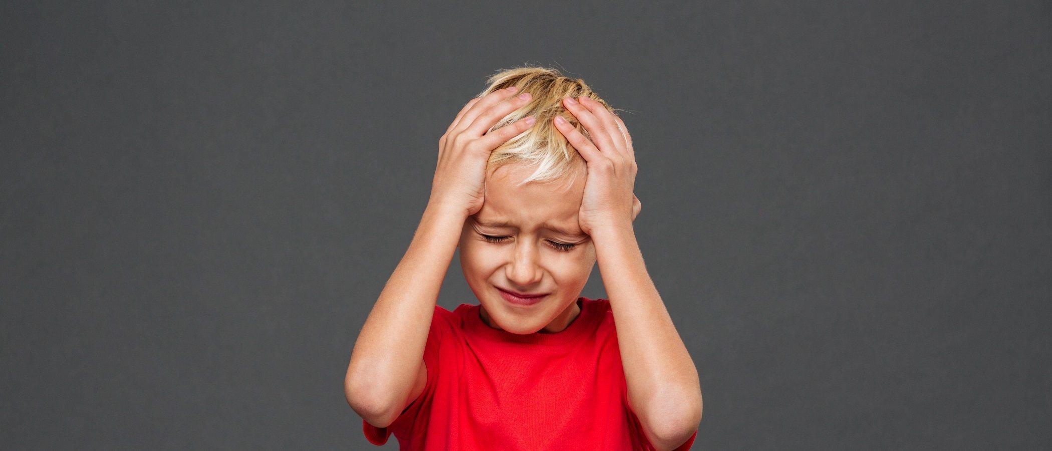 Cómo actuar si tu hijo se golpea la cabeza