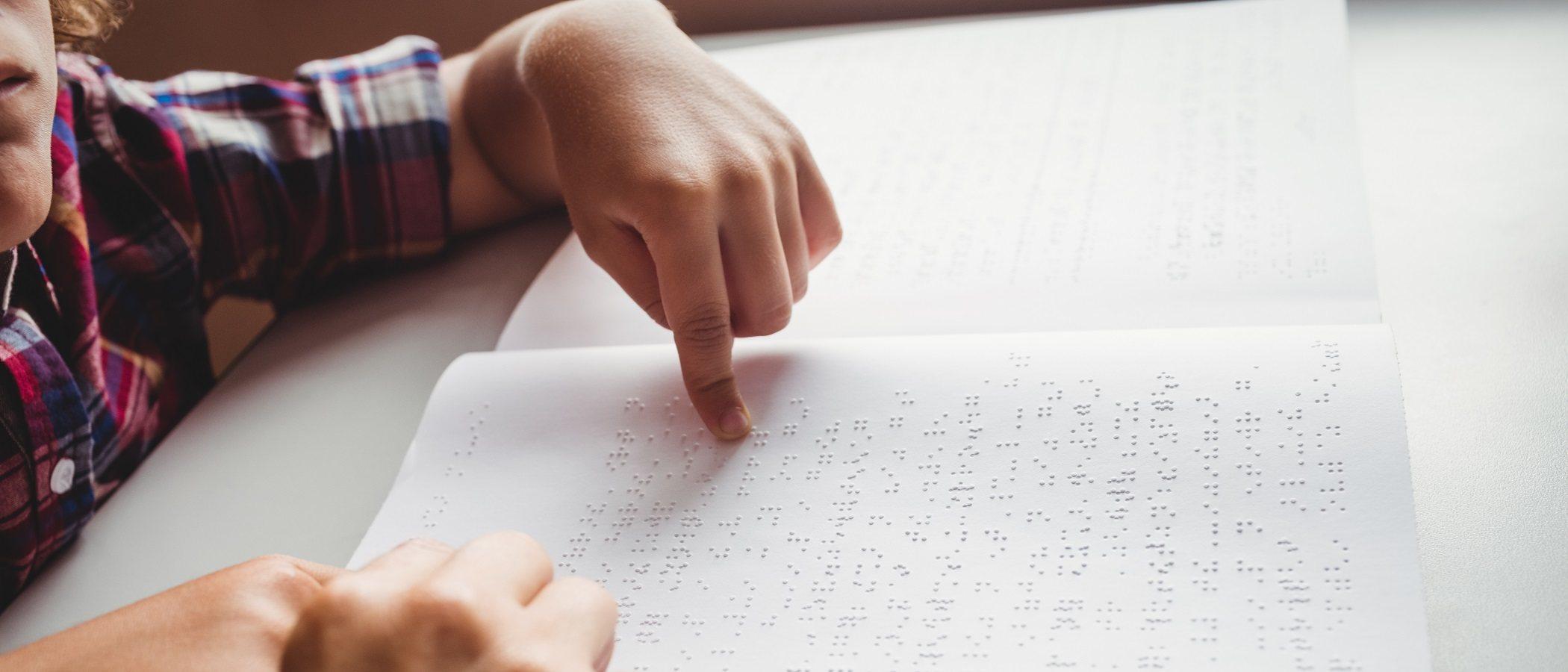 Iniciación del lenguaje en niños ciegos