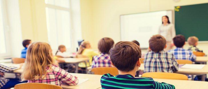 ¿Existe riesgo para la salud el tener las ventanas abiertas en las escuelas?