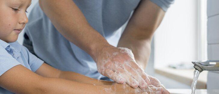 La importancia de que los niños se laven las manos