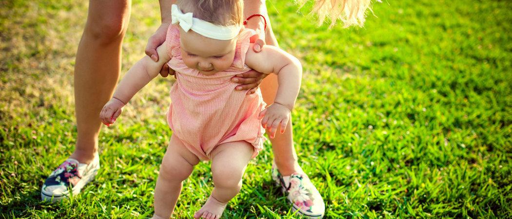 Cómo enseñar a andar a un bebé