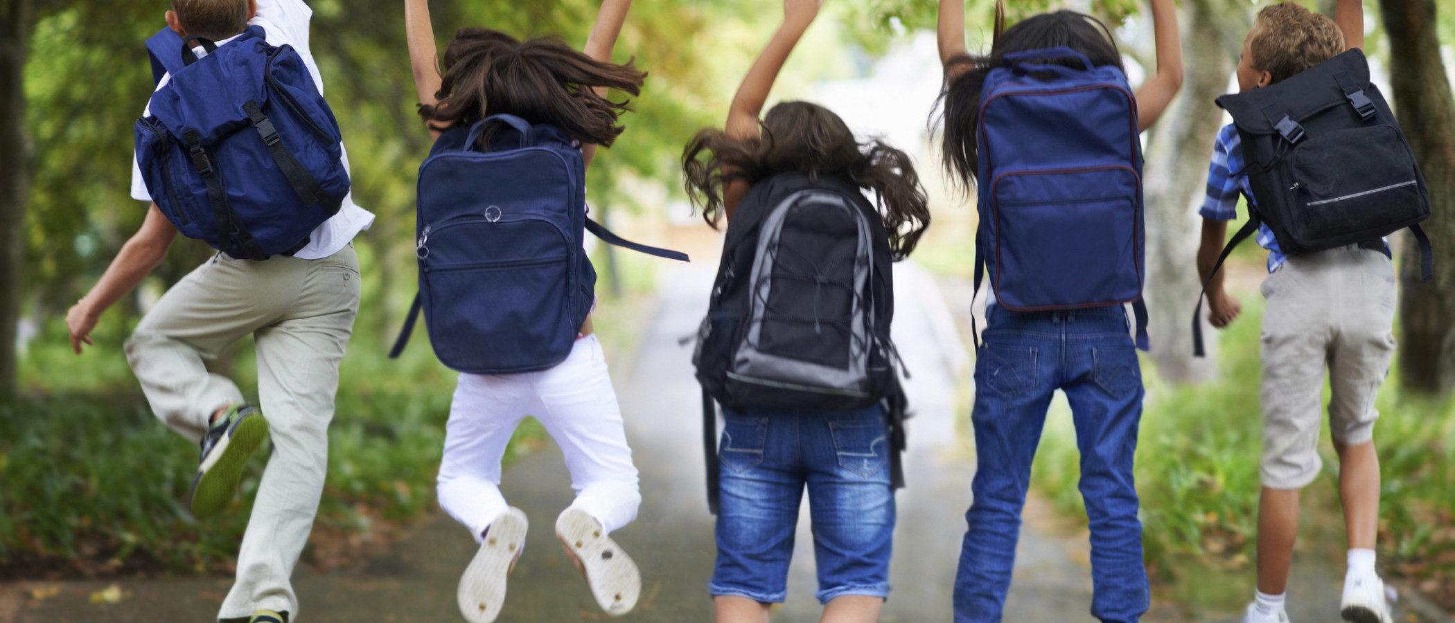 Controlar el peso de la mochila de tus hijos