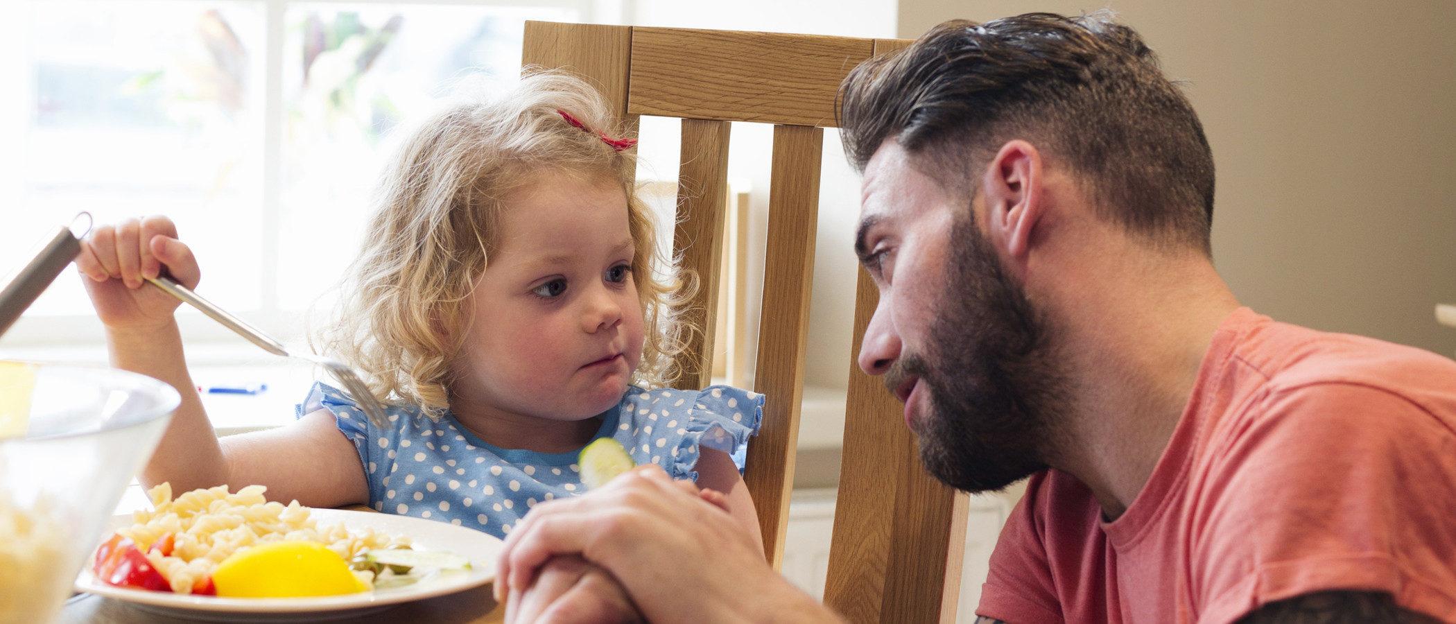 Enseñar a comer a un niño celíaco