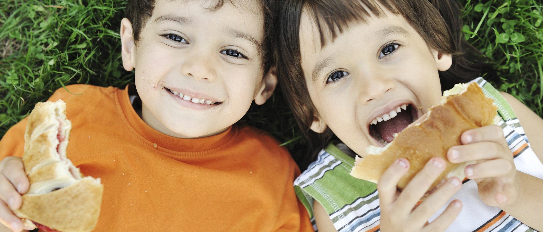 Merienda para la piscina: Alimentos sanos y nutritivos para los niños