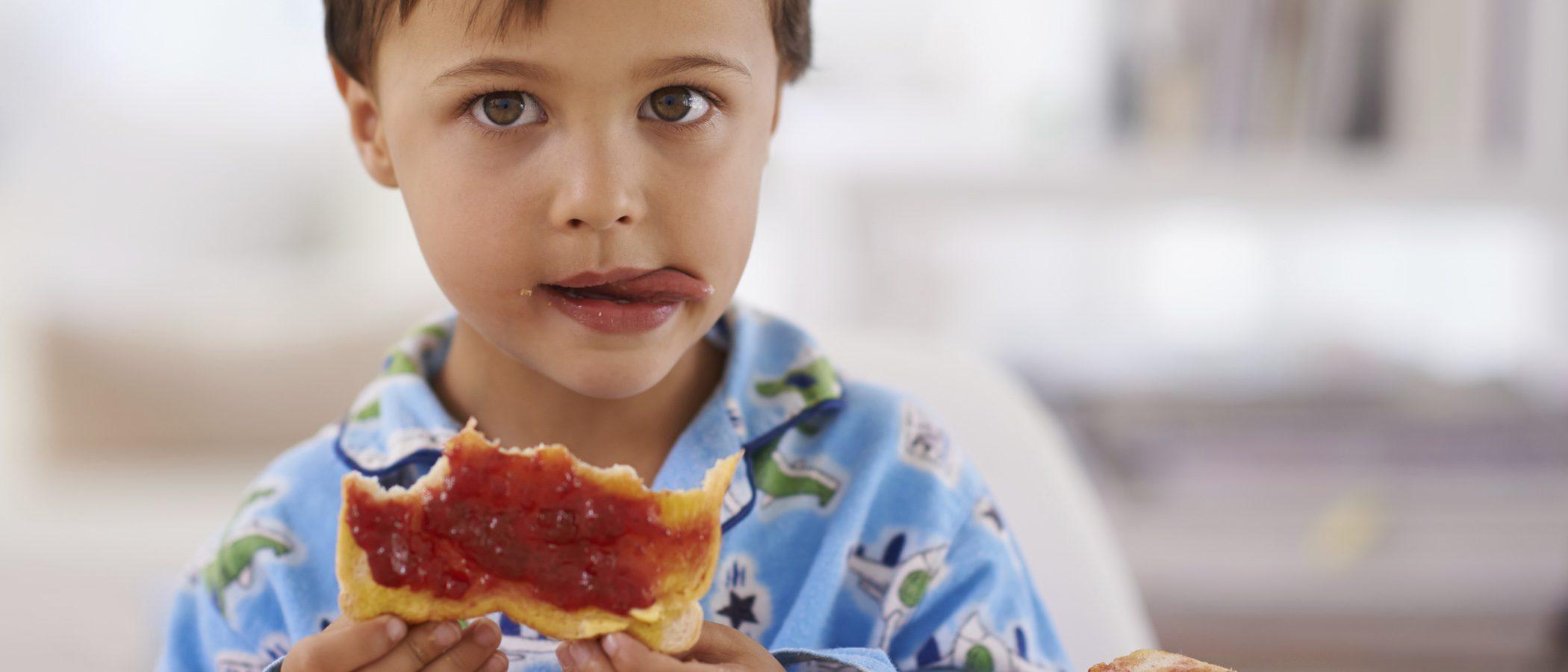 La importancia de desayunar antes de ir al colegio