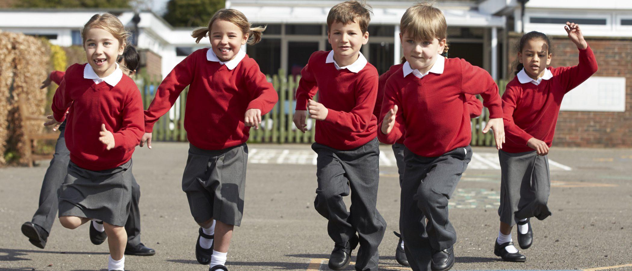 Ventajas e inconvenientes de llevar a tu hijo a un colegio con uniforme escolar