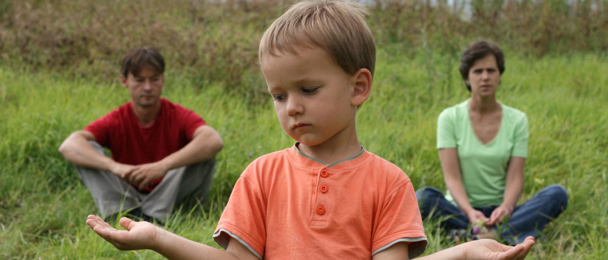 Cómo ayudar a un hijo pequeño a superar el divorcio de sus padres