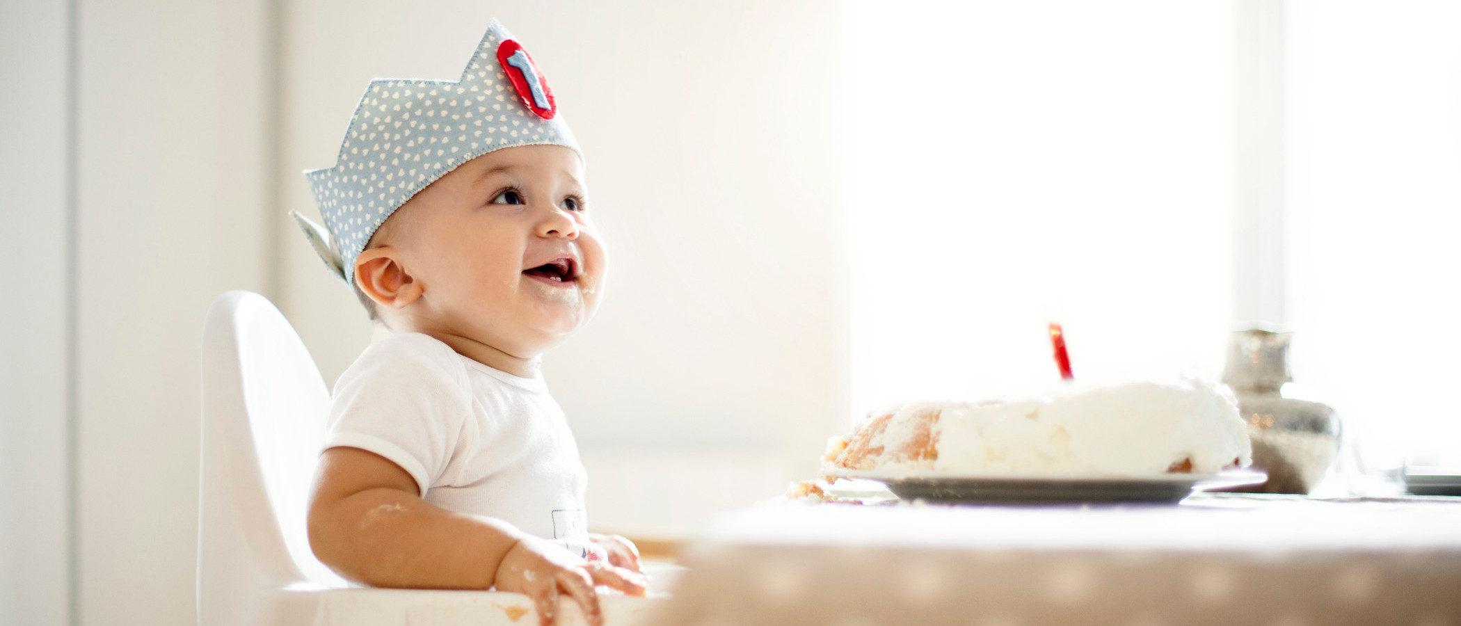Celebrar el primer cumpleaños de tu hijo