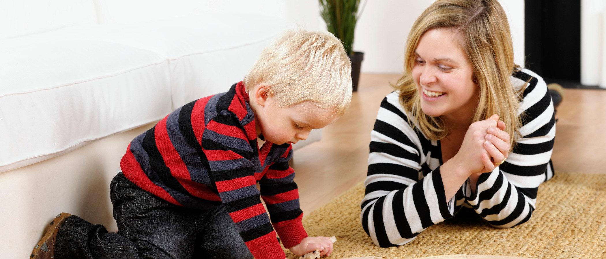 Dónde buscar canguro para cuidar a nuestros hijos en casa