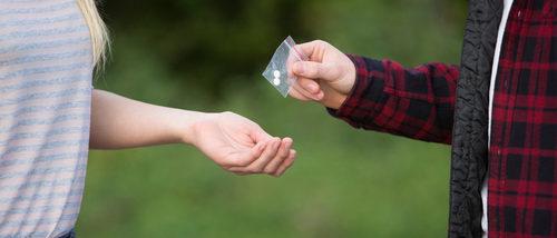 Cómo ayudar a un hijo a salir de las drogas