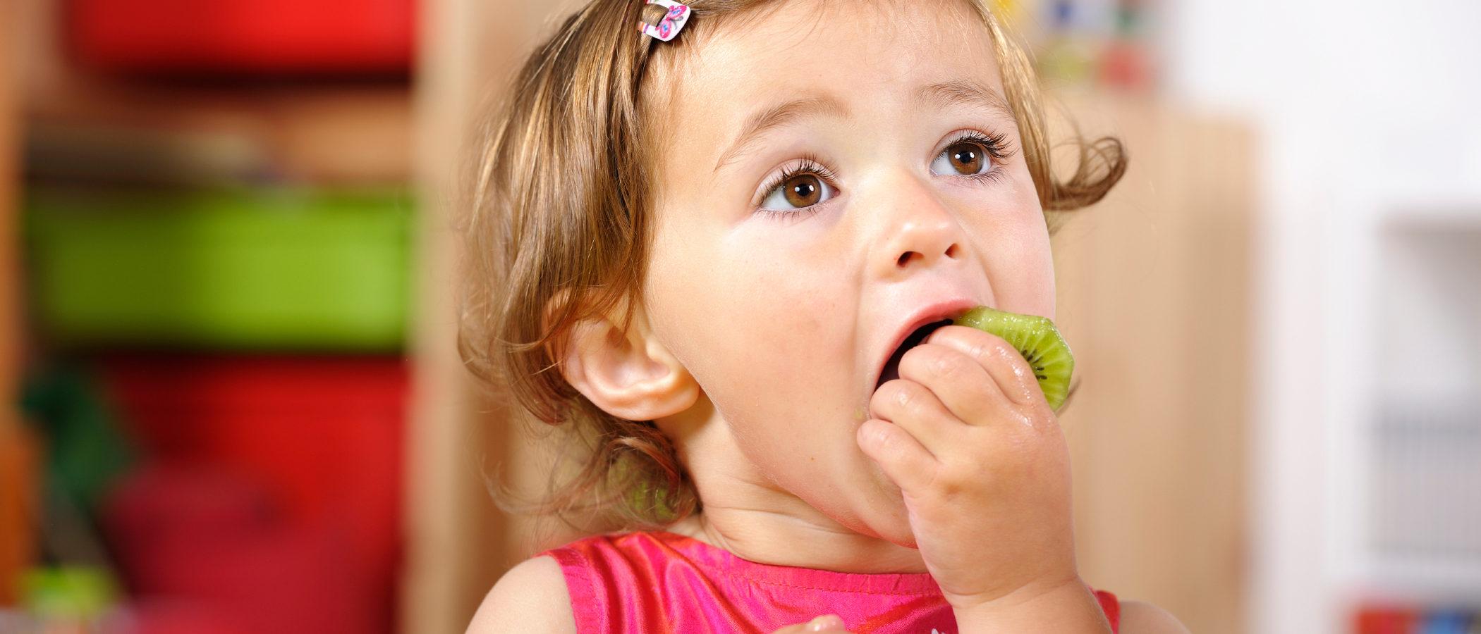6 beneficios del kiwi en niños y niñas