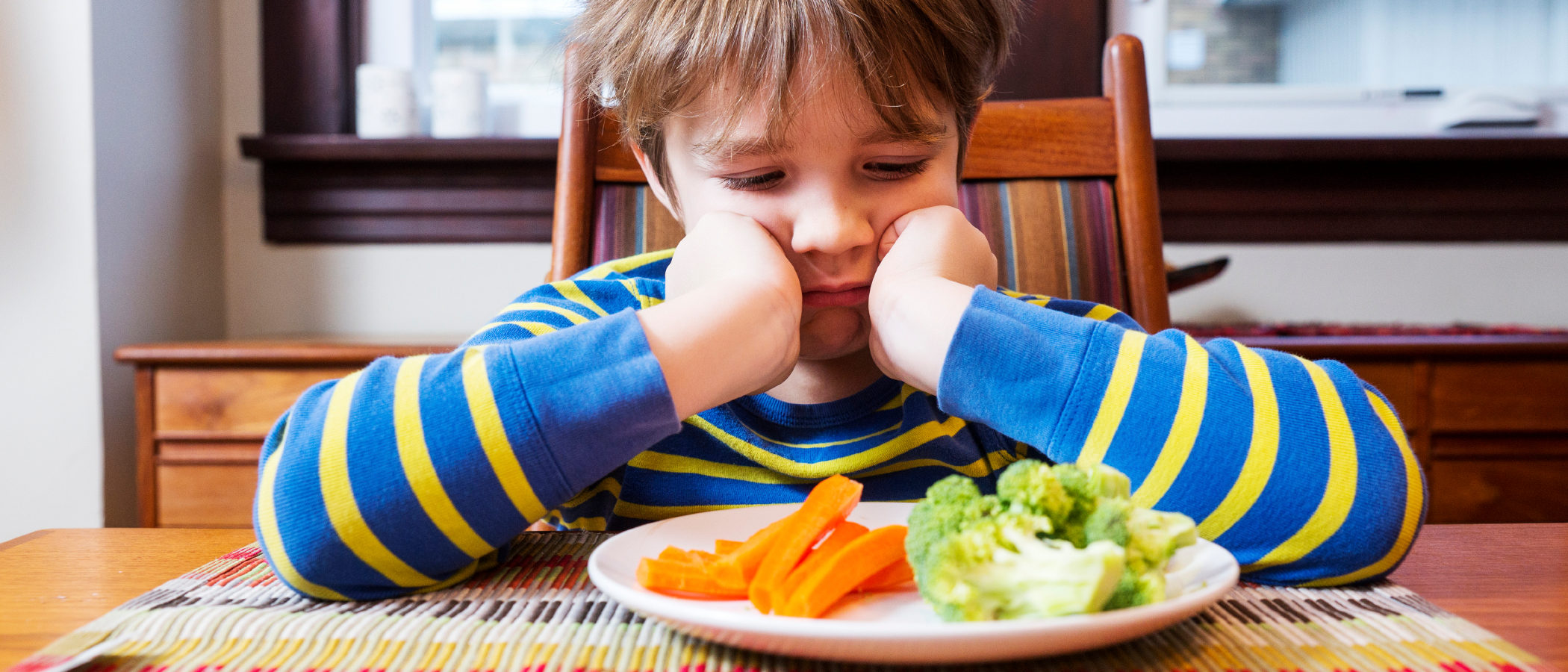 Cómo conseguir que tus hijos coman verduras y pescado