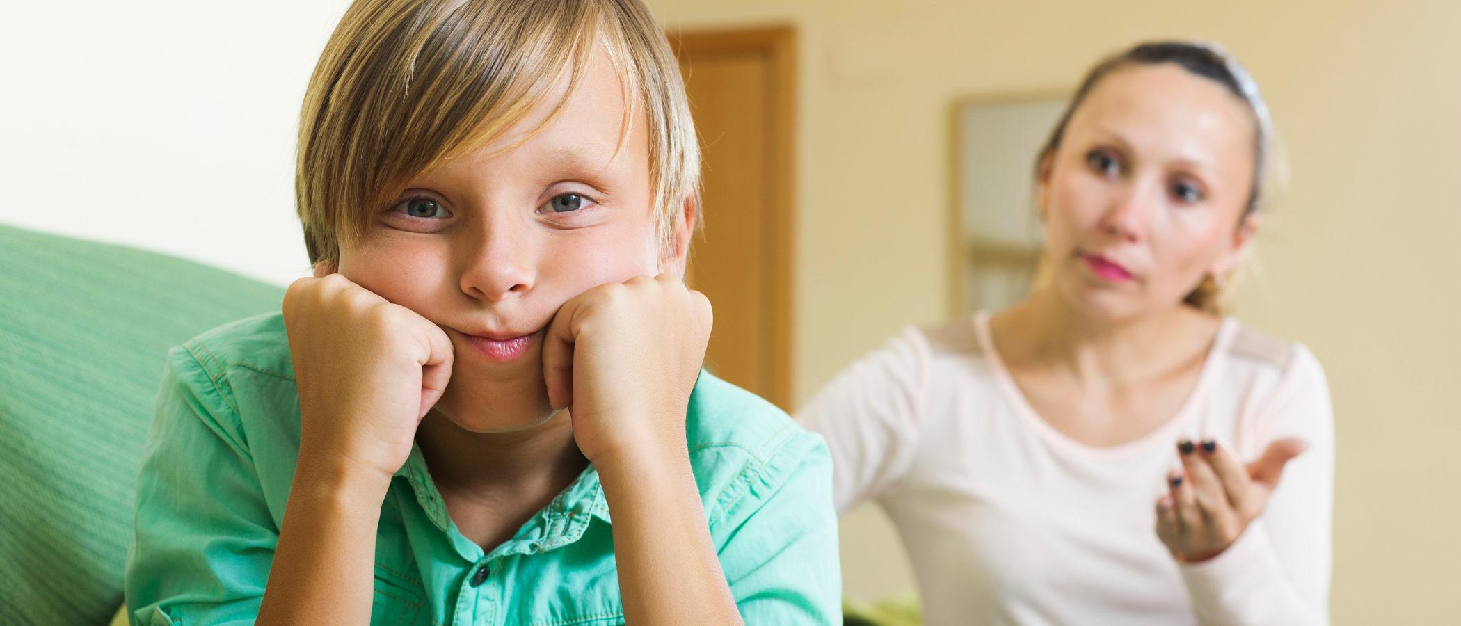 6 cosas que no harán a tus hijos más felices aunque creas que sí