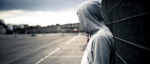 ¿Anda mi hijo adolescente con malas compañías?