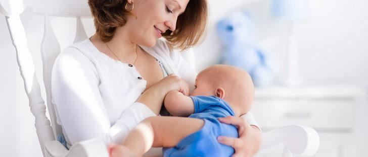 ¿Puedo abandonar la leche materna antes de los 6 meses?